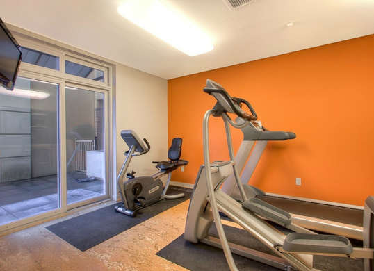 orange-home-gym.jpg.5f7edaa68e855c078a33